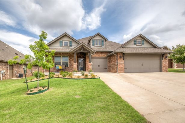 8309 NW 160th Court