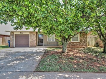 733 W Perry Drive, Mustang, OK, 73064,