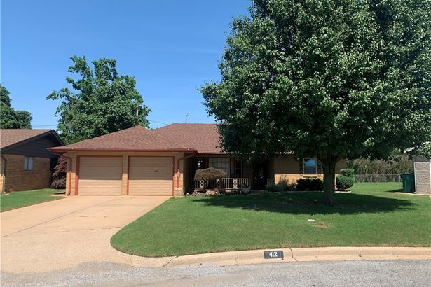 412 SW 64th Place