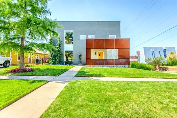 834 NW 7th Street