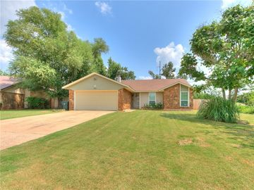 9813 Willow Wind Drive, Midwest City, OK, 73130,