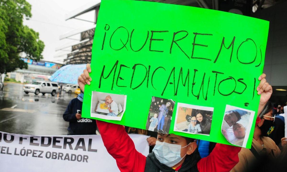 Protestas de padres de niños con cáncer.