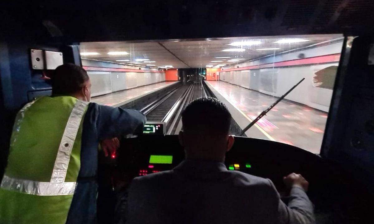 Trabajadores del Metro, en riesgo constante de contagio por Covid.