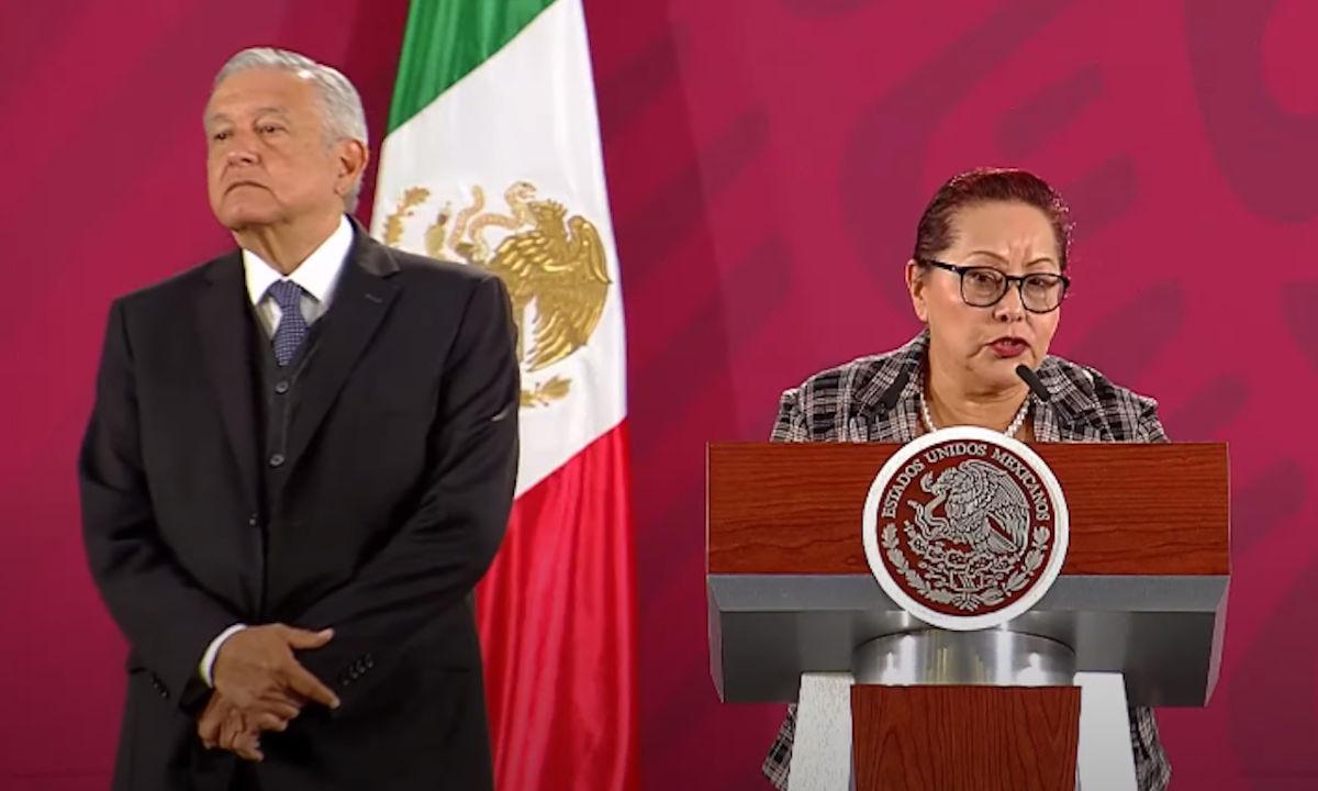 Blanca Alicia Mendoza fuera de Profepa.
