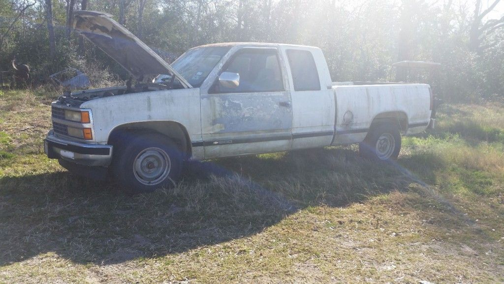 1992 Chevy Extended cab Pickup truck