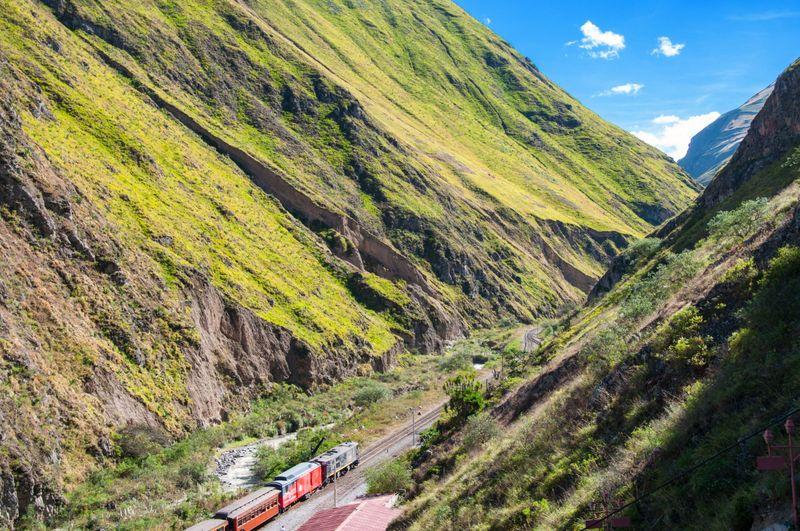 ekskursionnyy_tur_ekspeditsiya_unikalnye_galapagosskie_ostrova_i_ekvador