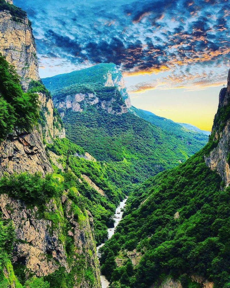 akvarel_kavkazskikh_gor_
