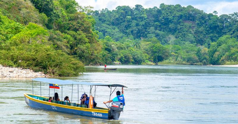 ekvador_dalnyaya_amazoniya_i_andy_kito_pichincha_ekvador