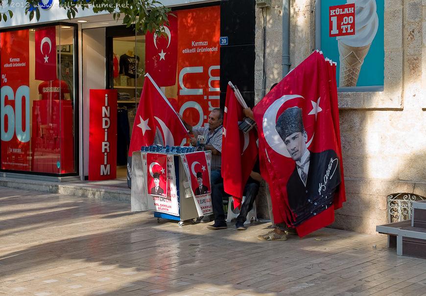 Street life in 2013 in Antalya (Anatolia)