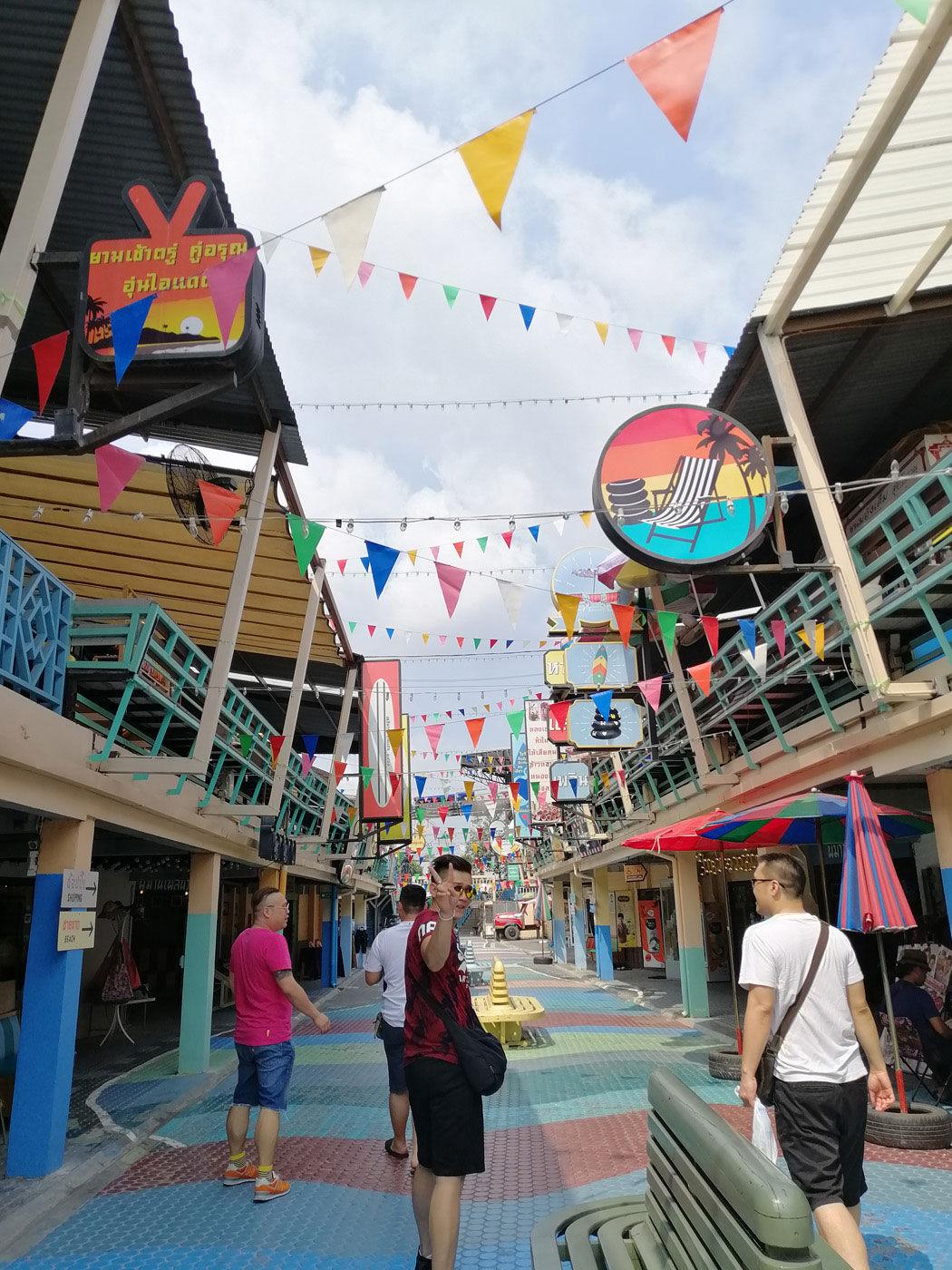 Shopping at Plearn Wan Hua Hin