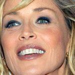 O que acontece com Sharon Stone?