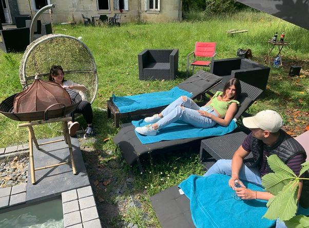 Yoolive - Coliving - stay - play -work