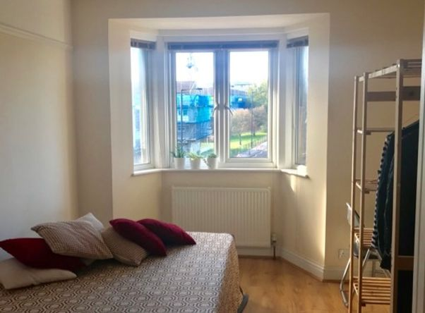 A lovely, spacious single room in Arnos Grove, North London available from 01/11/20