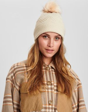Numph Cable Knitted Hat in Cloud Dancer