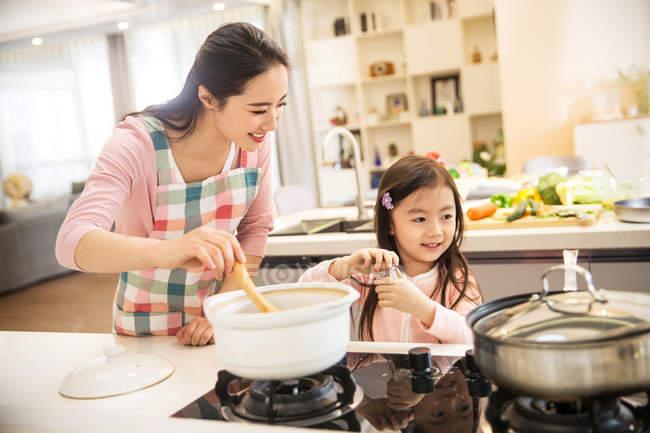 8 Tips Memasak di Rumah Menjadi Menyenangkan