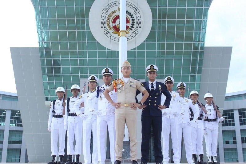 Sekolah Kedinasan di Indonesia