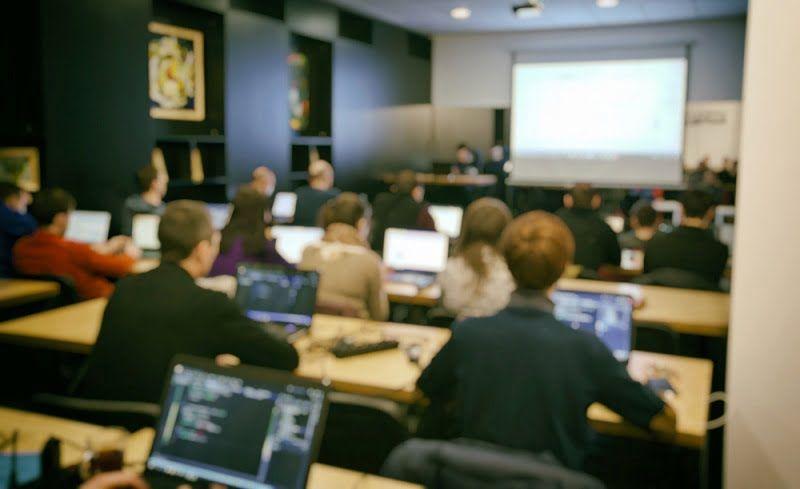 Prospek Kerja Sistem Informasi Dosen IT