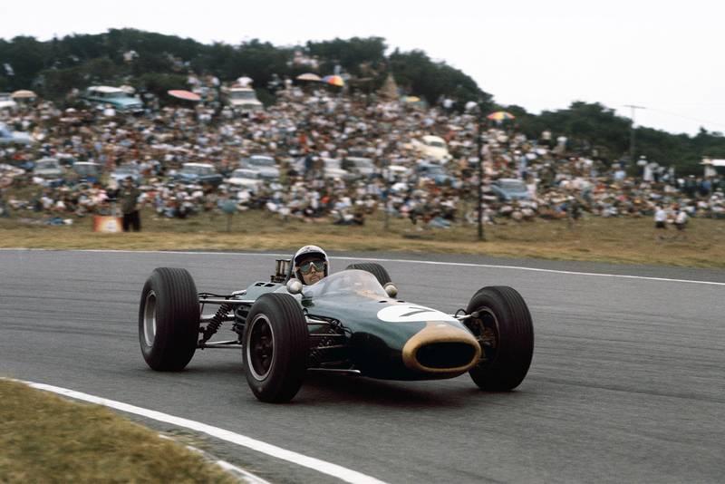 Jack Brabham (Brabham BT11 Climax).