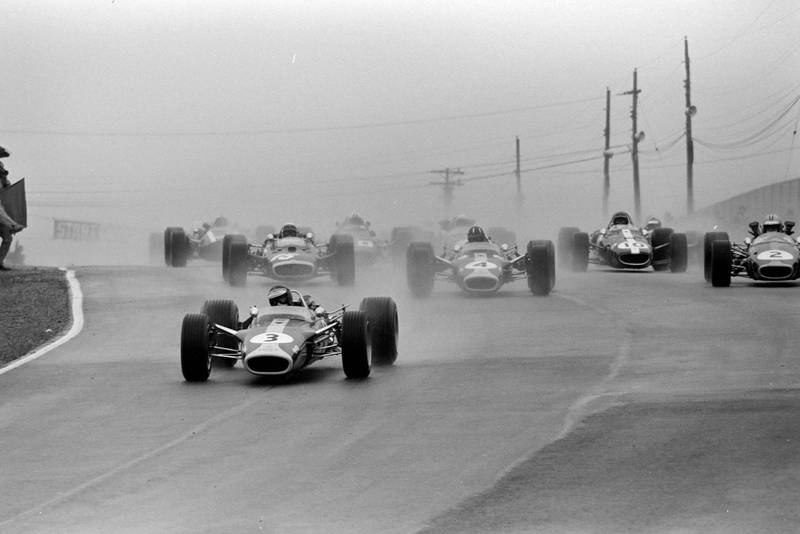 Jim Clark, Lotus 49 Ford, leads at the start.