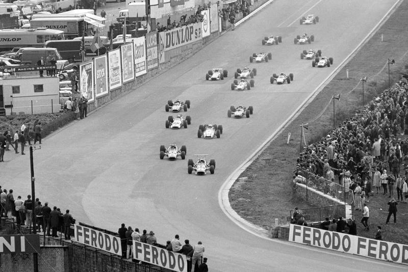 The field heads down to Eau Rouge at the start