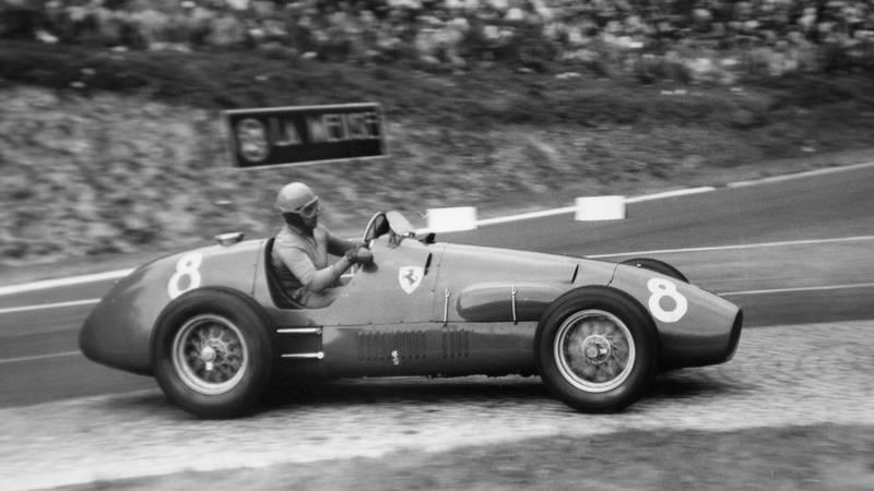 Alberto Ascari in the 1952 French Grand Prix at Rouen les Essarts
