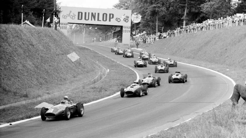 Start of the 1957 French Grand Prix at Rouen Les Essarts