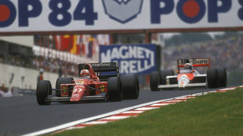 Nigel-Mansell-leads-Alain-Prost-at-the-Hungaroring-during-the-1989-F1-Hungarian-Grand-prix