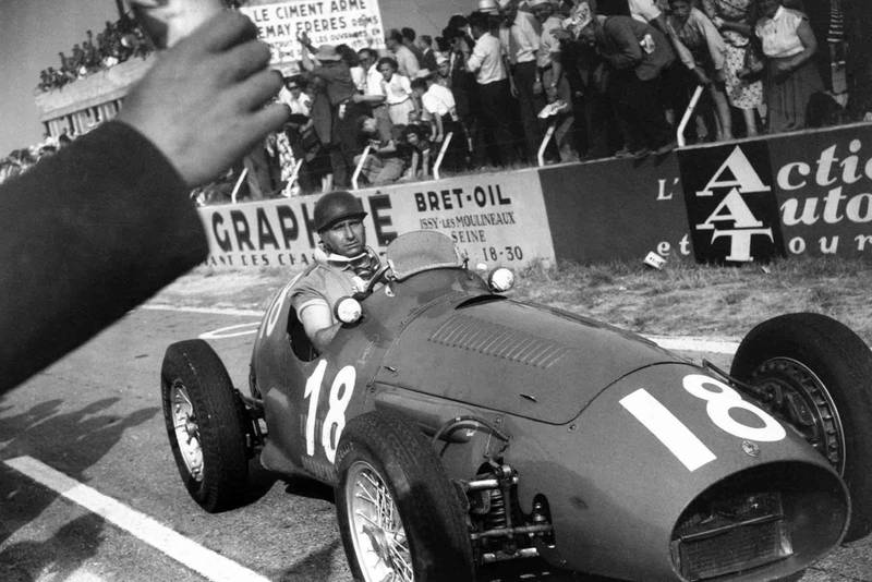 fangio_pits_1953_french_gp
