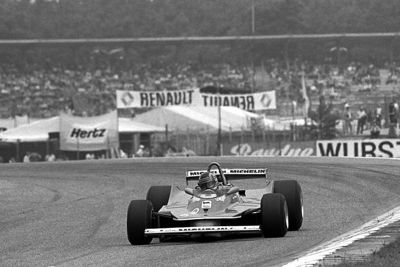 Gilles Villeneuve in a Ferrari 312T5 finished the race in sixth position.