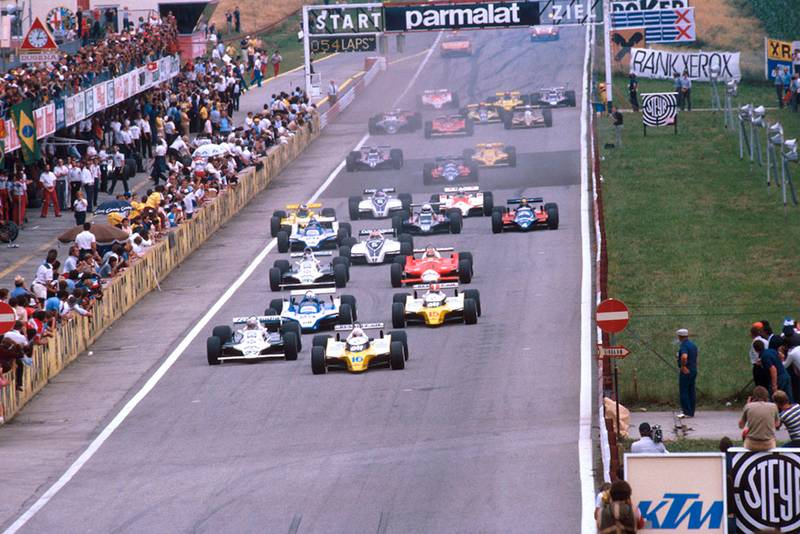Rene Arnoux (Renault RE20) leads Alan Jones (Williams FW07B Ford), Didier Pironi (Ligier JS11/15 Ford) and Jean-Pierre Jabouille (Renault RE20) at the start.
