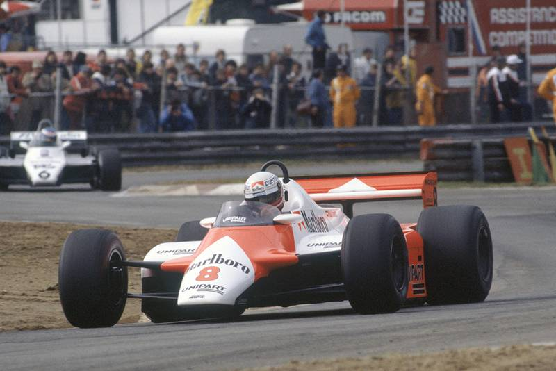 Niki Lauda in his McLaren MP4/1B-Ford Cosworth leads Keke Rosberg in a Williams FW08-Ford Cosworth).