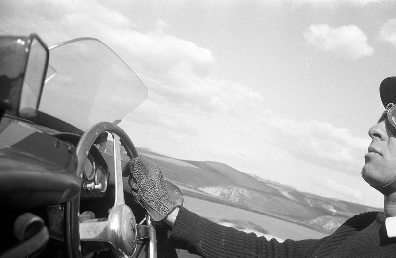 British racing driver Peter Collins at the wheel of the 3.5 litre Ferrari Monza Type 857S during the Giro di Sicilia, Sicily, which he won, 8th April 1956. (Photo by Klemantaski Collection/Getty Images)