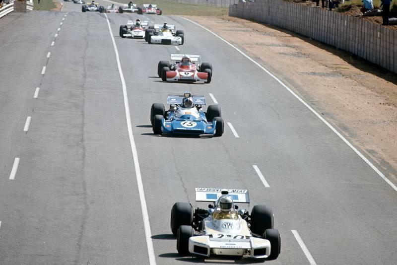 The Brabham of Carlos Reutemann leads Chris Amon's Matra and Clay Regazzoni Ferrari.