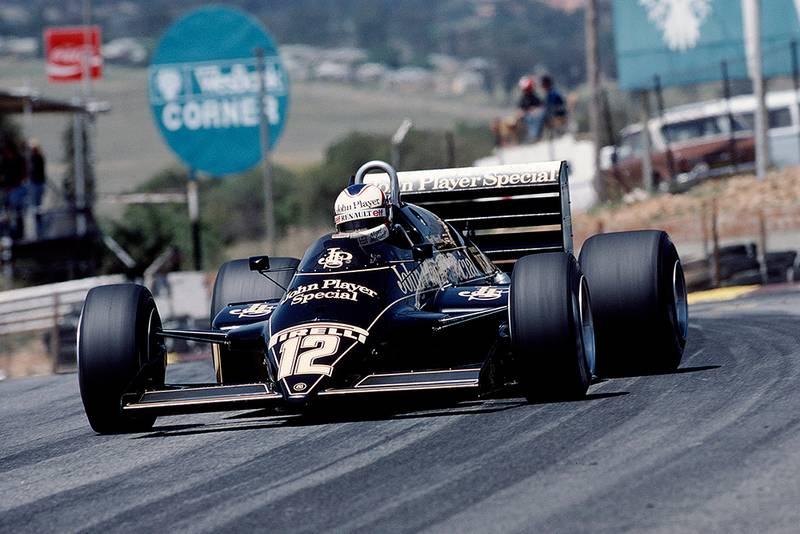 Nigel Mansell in his Lotus 94T Renault.