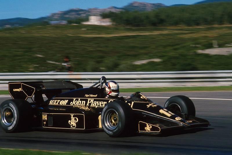 Nigel Mansell in his Lotus 95T.