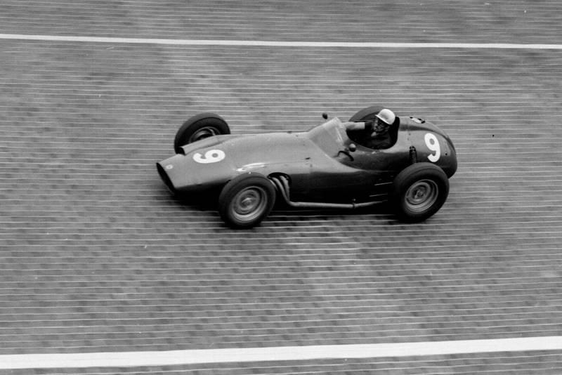 Jo Bonnier in his BRM P25)
