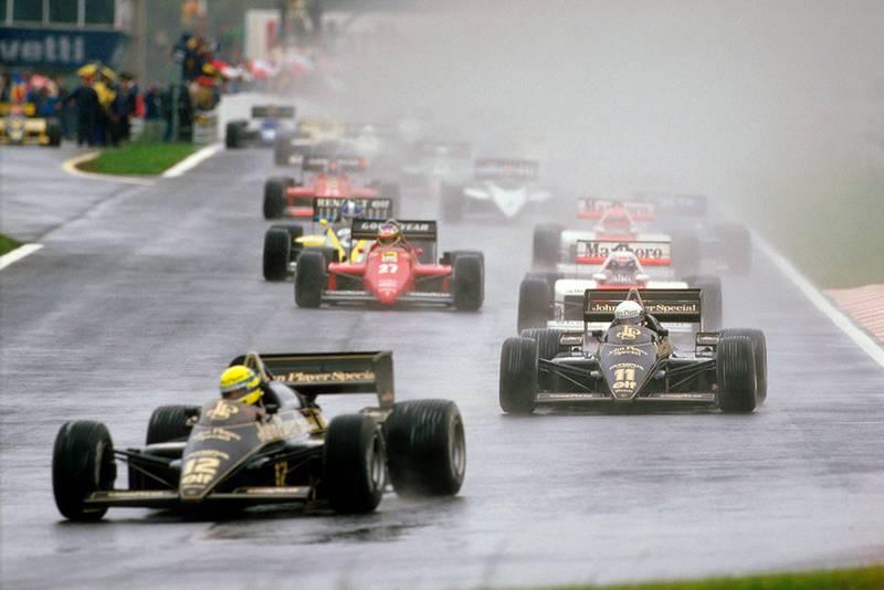 Ayrton Senna leads teammate Elio de Angelis (both Lotus 97T Renault's), Alain Prost (McLaren MP4/2B TAG Porsche) and Michele Alboreto (Ferrari F156/85) at the start.