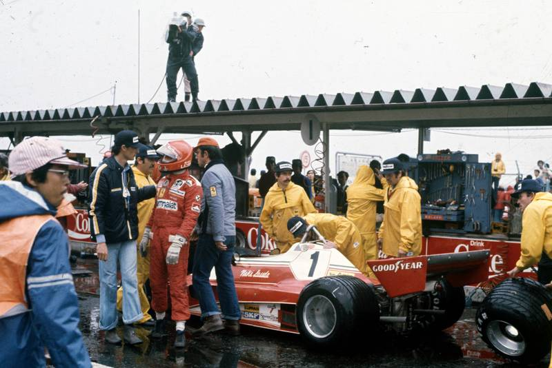 Niki Lauda (Ferrari) decided conditions were to dangerous to race in at the 1976 Japanese Grand Prix, Fuji.
