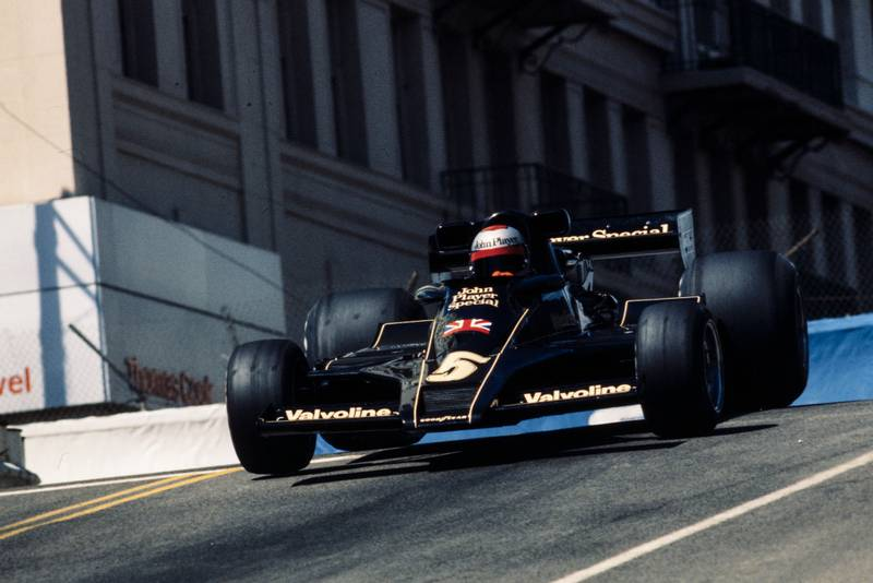 Mario Andretti (Lotus) at the 1977 United States Grand Prix West, Long Beach.