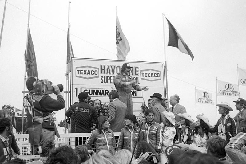 Gunnar Nillson (Lotus) celebrates winning the 1977 Belgian Grand Prix, Zolder.
