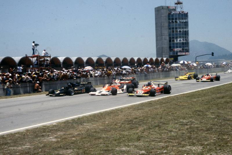 The 1977 Brazilian Grand Prix gets underway, Jacarepagua.