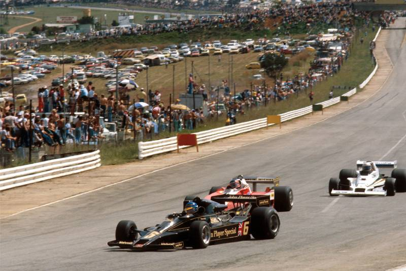 Ronnie Peterson leads into Turn One at the 1978 South African Grand Prix, Kyalami