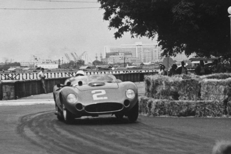 Maserati 450S of Stirling Moss/Juan Manuel Fangio rounds the bails in the 1957 Buenos Aires 1000km