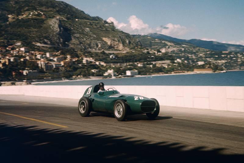 Tony Brooks races towards the SwImming Pool in his Vanwall, 1957 Monaco Grand Prix