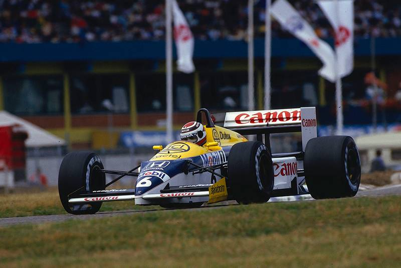 Nelson Piquet in first place in his Williams FW11 Honda.