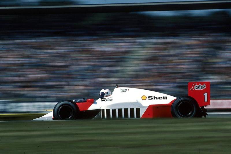 Alain Prost (McLaren MP4/2C) in 6th place but ran out of fuel.