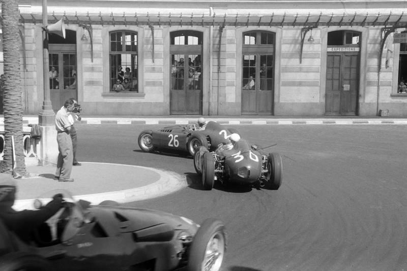 Eugenio Castellotti chases Alberto Ascari