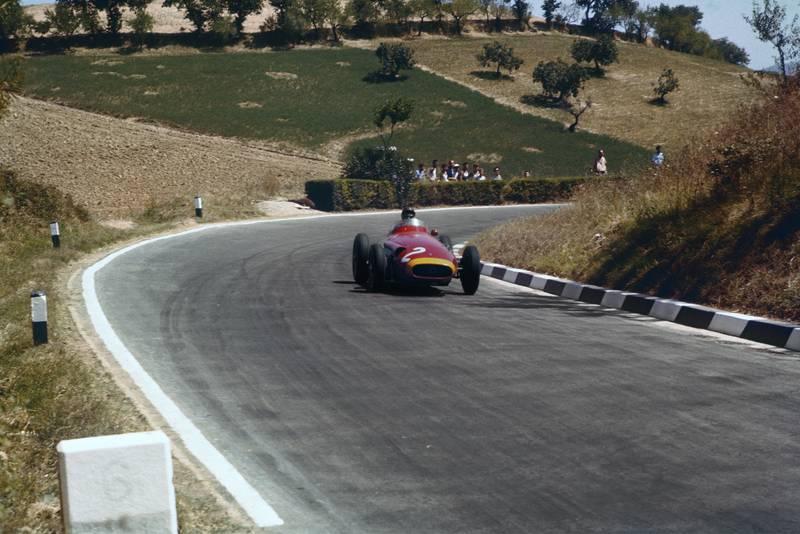 Juan Manuel Fangio, Maserati 250F at the 1957 Pescara Grand Prix.