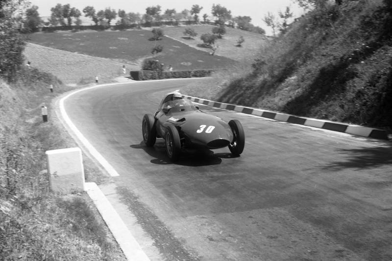 Stuart Lewis-Evans takes on the hill in his Vanwall, 1957 Pescara GP.