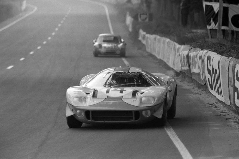 David Piper / Dick Thompson in the John Wyer Automotive Engineering, Mirage Mk1-Ford, Le Mans 1967.